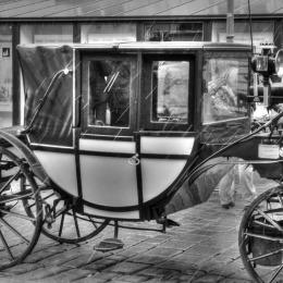 car-241437_1920